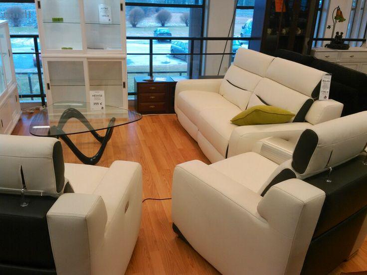 Power recliner sofa set (all 4). Adjustable head rests. Nice design too.