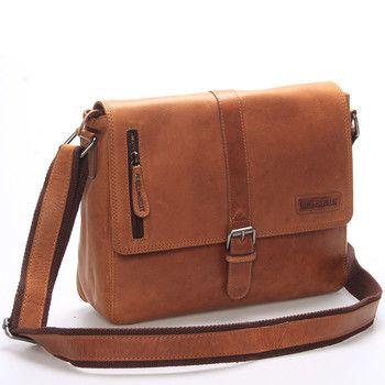 #styl #unisex #messenger  Originalita, stylovost a osobitost - to se dnes cení při výběru doplňků! Taška má ideální rozměry, není ani velká ani malá, vleze se do ní notebook či tablet s max. rozměry 28 x 23 cm. Uvnitř jsou dvě kapsy bez zipu a jedna se zipem. Další jsou zepředu a zezadu. Dopřejte si jednou za čas opravdu kvalitní originální tašku přes rameno, se kterou dáte najevo, že máte styl!
