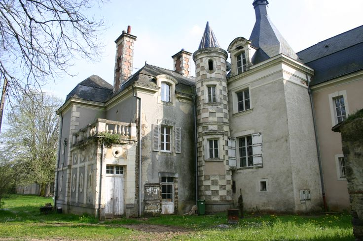 27 best castles for sale in france french chateau for for French chateau homes for sale