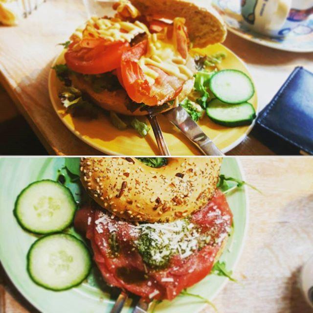 Bagel Time #bagelsandbeans #instafood #instadaily #bacon #foodporn #food #frühstück #cheatmeal #fitness #lecker #layout