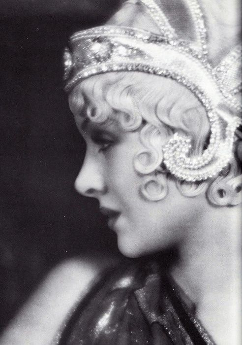 1920s art deco flapper