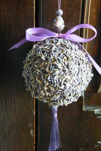 How to make a lavender ball to keep moths away - pretty too!