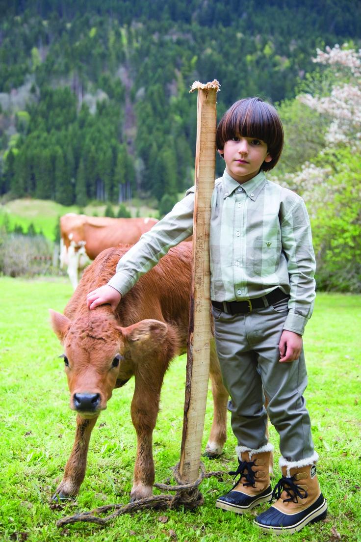 ¡Look del día! Para los niños camisas en maxi cuadros complementadas con pantalones en tonos gris y verde #epkmegusta #lamontagne