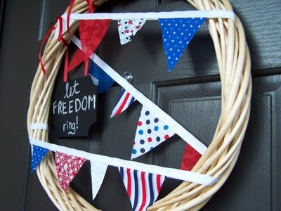 Happy Fourth! {Fourth of July Pennant Wreath} ~ Creative Green Living