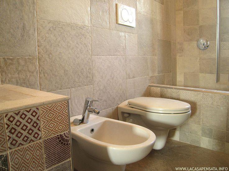 Vasca Da Bagno Con Seduta E Legno Oggetti Design : Oltre fantastiche idee su vasca con piastrelle