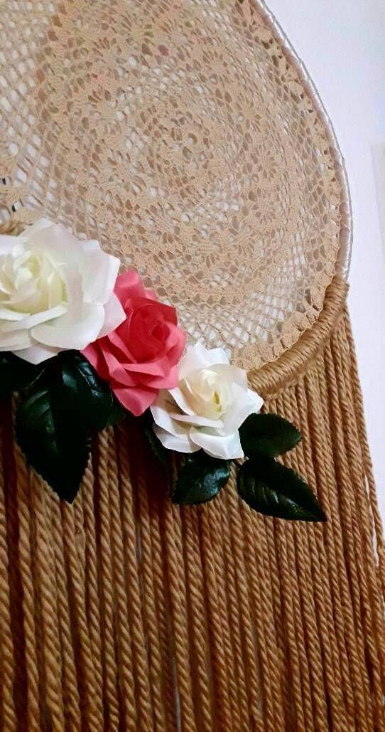 Mira este artículo en mi tienda de Etsy: https://www.etsy.com/es/listing/561203261/boho-dreamcatcher-floral-dreamcatcher