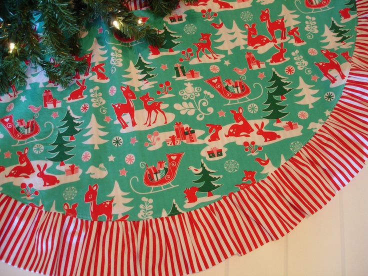 Pictures Of Christmas Tree Skirts