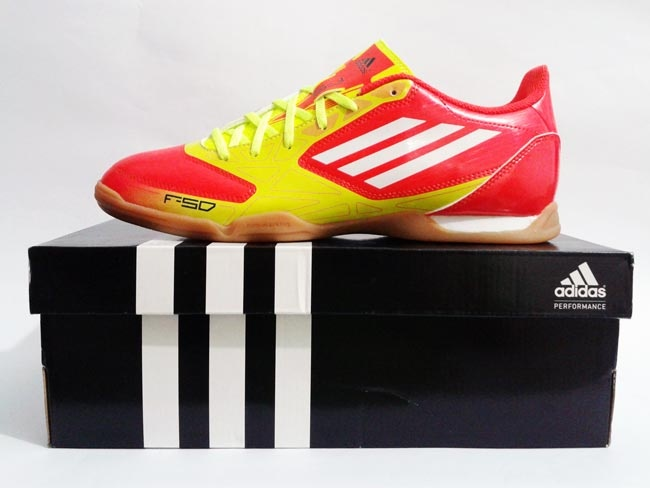 Sepatu Futsal Adidas F5 In High Energy Yellow Red    BANDROL Rp. 479.000  SUPERSALE ONLY IDR  Rp.330.000           Tersedia :  - 1 Pasang Ukuran 41 1/3  - 3 Pasang Ukuran 42 2/3  - 1 Pasang Ukuran 43 1/3      COME VISIT TO http://www.prodirectsoccerindonesia.com  FOR THE GREAT DISKON EVERYDAY !