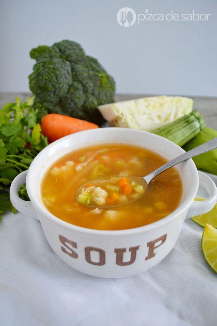 Sopa de verduras o vegetales www.pizcadesabor.com