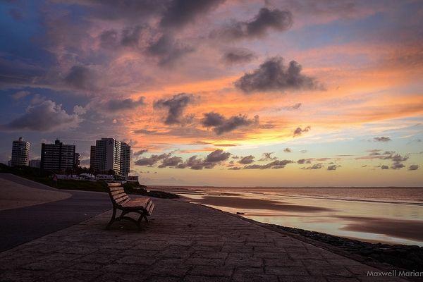 Praia de São Marcos, em São Luís. Visite o BrasilGuias