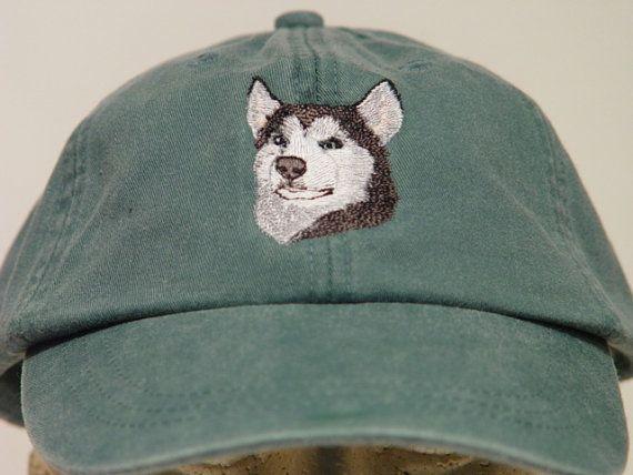 SIBERISCHE HUSKY hond Hat een geborduurde mannen door priceapparel
