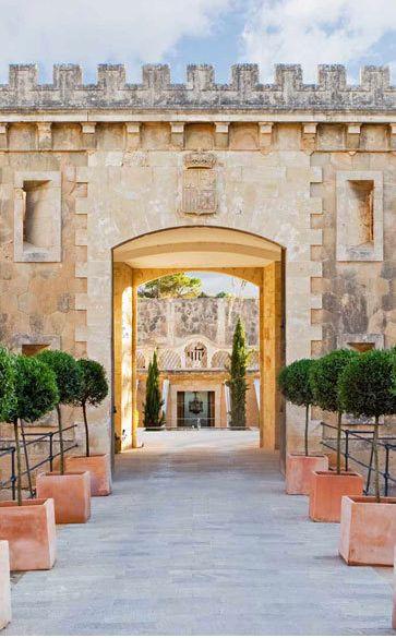 Von Urlaubern bewertet: Die 15 besten Hotels auf Mallorca. http://www.travelbook.de/artikel/Von-Urlaubern-bewertet-Die-besten-Hotels-auf-Mallorca-238116.html