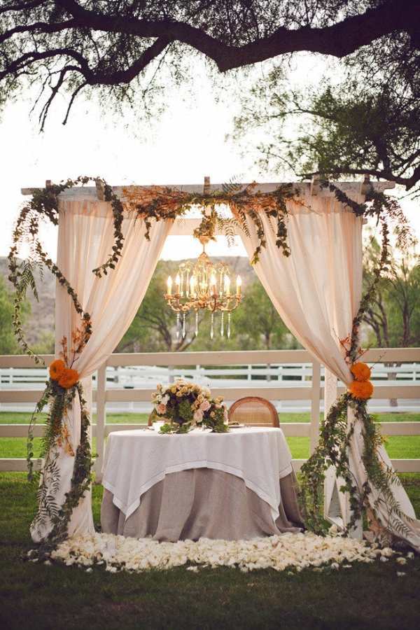 Pretty Bride and Groom table