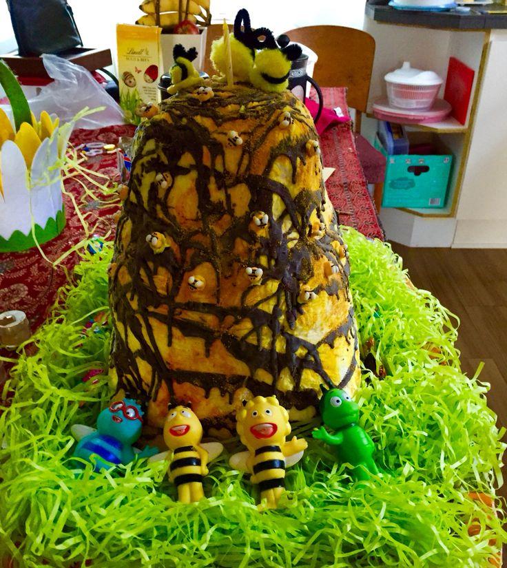 Beehive icecream cake