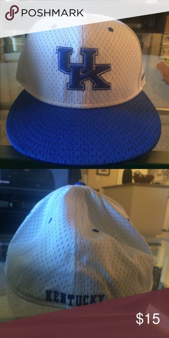 Nike dri fit university of Kentucky hat No defects or marks Accessories Hats