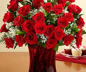 #Bouquet Of #Red #Roses. Three Dozen Long Stemmed #Red Roses with Free Ruby Vase.