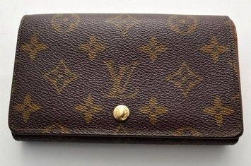 100% Authentic Louis Vuitton Brown Monogram Tresor Wallet with Zippered Coin Purse. Get the lowest price on 100% Authentic Louis Vuitton Brown Monogram Tresor Wallet with Zippered Coin Purse and other fabulous designer clothing and accessories! Shop Tradesy now