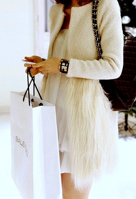 CHIC JORDAN l coat l faux fur l winter chic SO WANT THIS!!!!!!!!!!!!!!!!!!!!!!!!!
