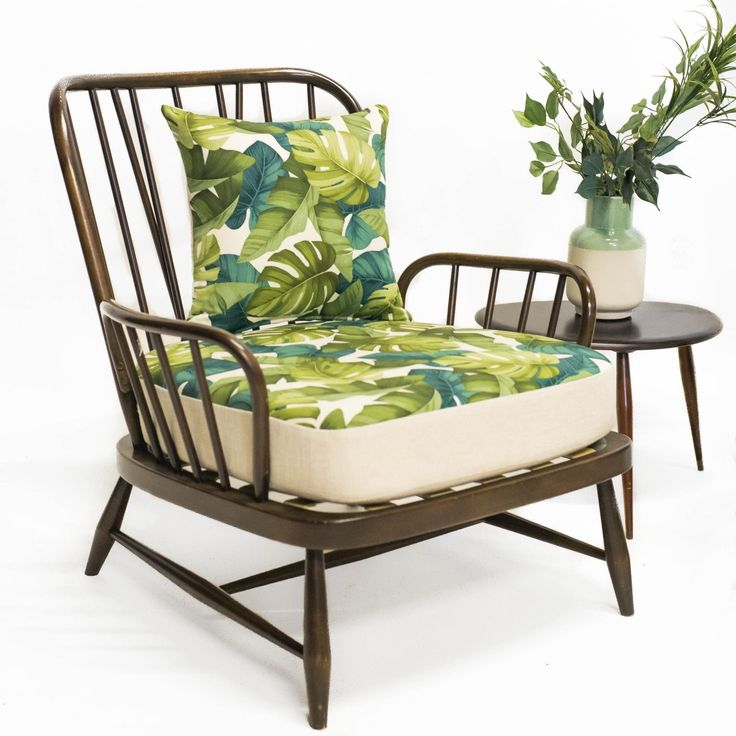 Ercol Jubilee Chair in Palm & Cream