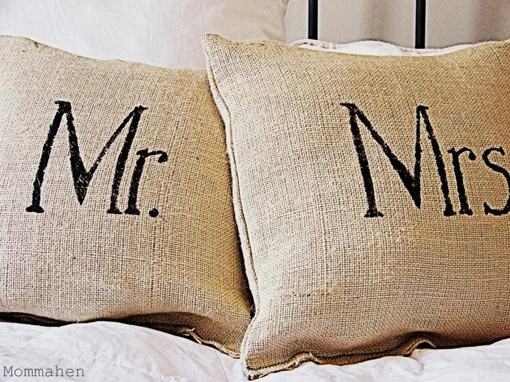 Mr. & Mrs. Pillow Tutorial