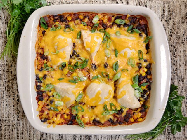 salsa chicken casserole - Budget Bytes 375 for an hour 1 cup uncooked rice 1 cup frozen corn kernels (thawed) 1 (15 oz.) can black beans 1 (16 oz.) jar salsa 1 cup chicken broth ½ Tbsp chili powder ½ tsp oregano 2 large (1.5 lbs.) chicken breasts 1 cup shredded cheddar cheese  2 whole green onions, sliced