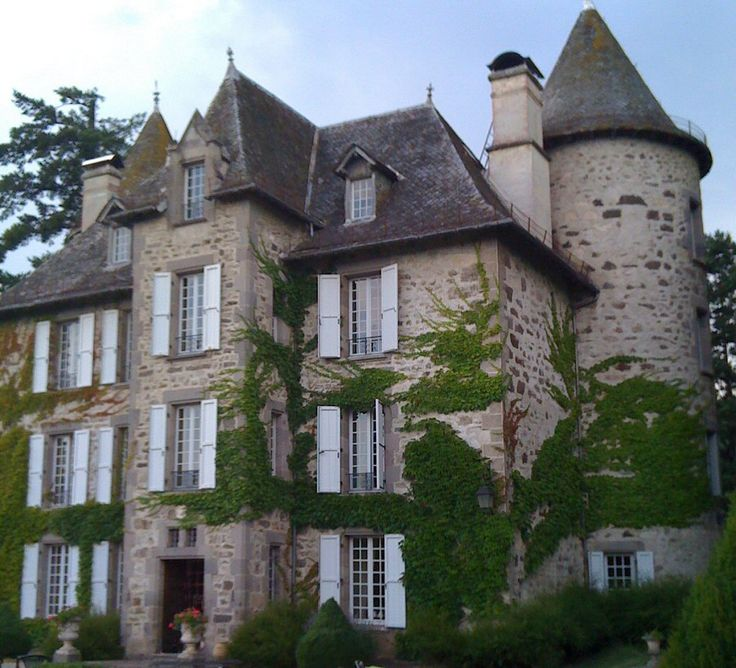 Chateau de Carbonat - Cantal, Auvergne