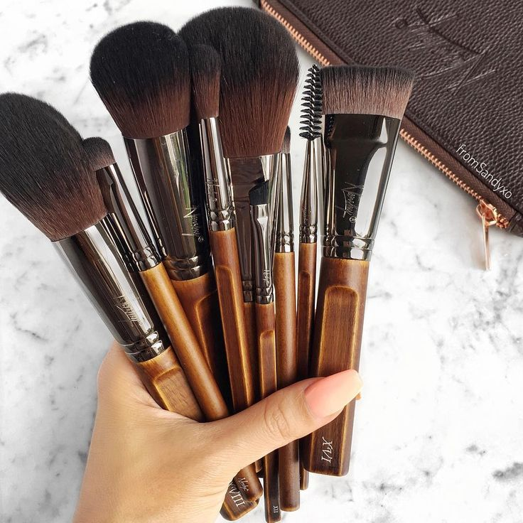 Our newest collection is so bomb! Get your hand on these cruelty-free brushes with faux leather bag! Click image.