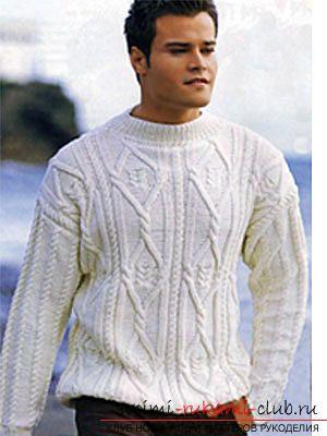 Связать для мужчины красивый пуловер с узором коса по схеме. Фото №1