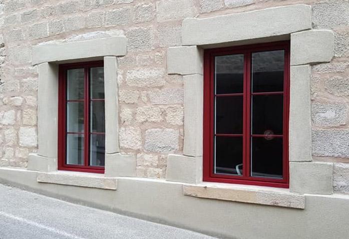 Menuiserie Aluminium Bicolore Rouge Et Blanc Menuiserie Exterieure Menuiserie Fenetres Aluminium