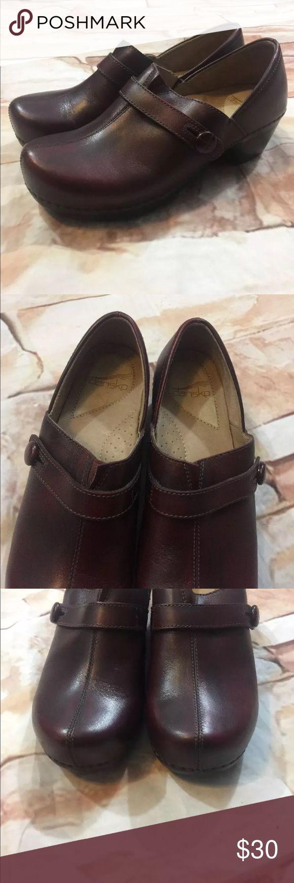 Dansko Solstice Cordovan Brushoff Clog Dansko  Solstice Cordovan Brushoff Clog  Size 39  Brown Leather Slip On Shoes  EUC Dansko Shoes Mules & Clogs