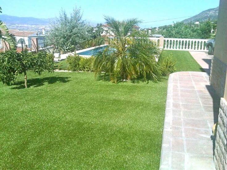 COBERTI Césped artificial. #cesped #artificial #verde #exterior #sostenible #ecológico #mínimo #mantenimiento #clima #apto #mascotas #resistencia #calidad #jardin #terraza #coberti #malaga