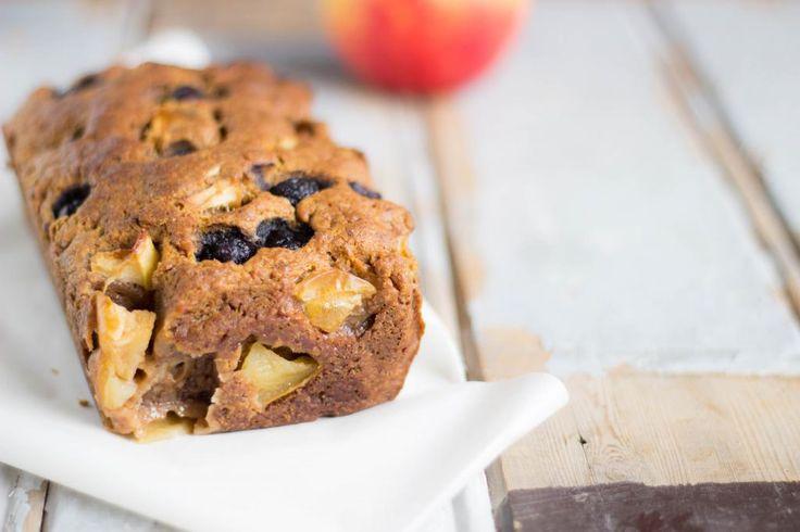 Gezond vegan appel en bosbessenbrood