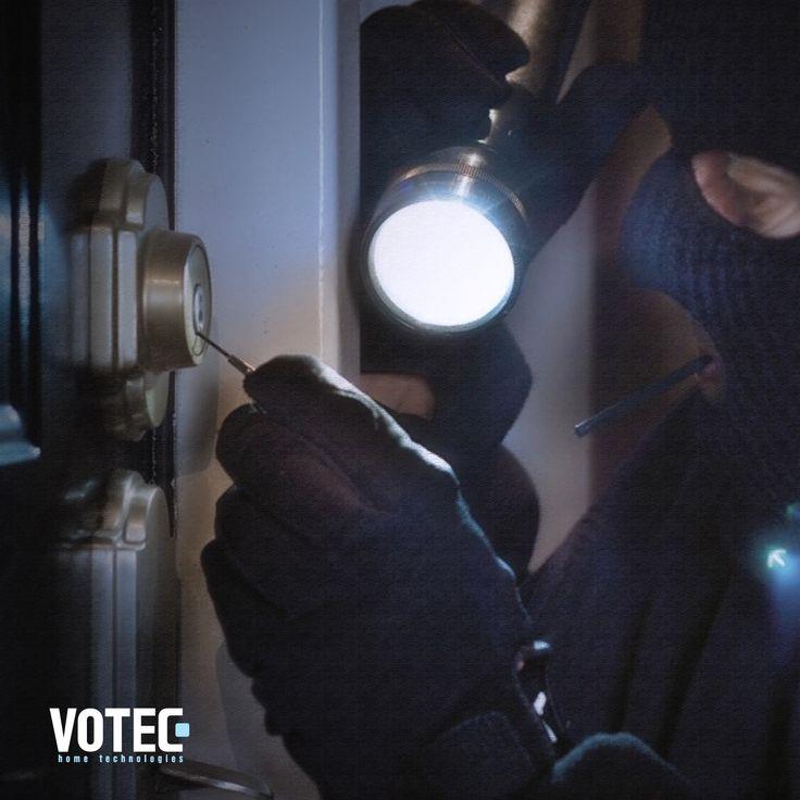 Votec Akıllı Ev Sistemleri sayesinde, evinizi ve sevdiklerinizi hırsızlara karşı korur, daha güvende bir yaşam sürersiniz.