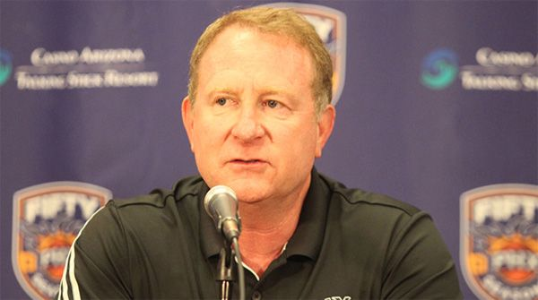 Sarver says Suns need new arena to return to prominence - Phoenix Suns owner Robert Sarver confirmed that the franchise is actively pursuing options to either renovate Talking Stick Resort Arena or leave its current home altogether. After announcing general manager Ryan McDonough's contract extension and introducing NBA veteran James Jones as the Suns'... - http://azbigmedia.com/ab/sarver-says-suns-need-new-arena-to-return-to-prominence