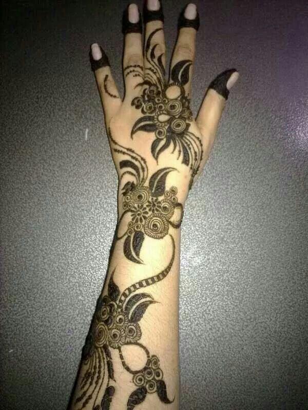 Henna design - Arabic. #UAE #Khaleej