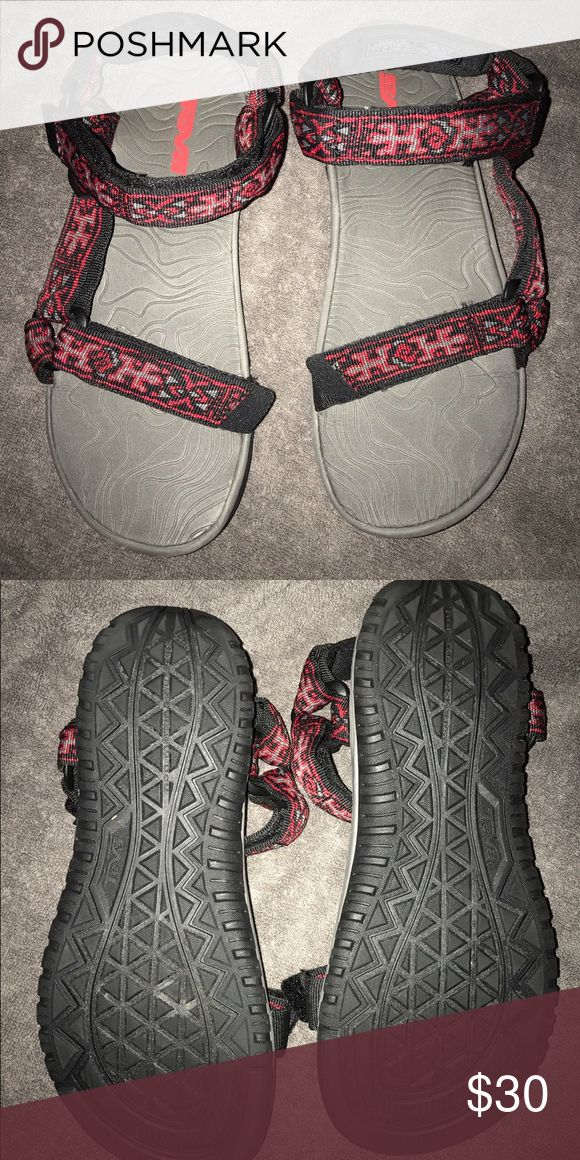 Women's Teva Hurricane 3 Sandals Sz 6 Gently worn with a ton of life left! Soles show very little wear! Teva Shoes Sandals