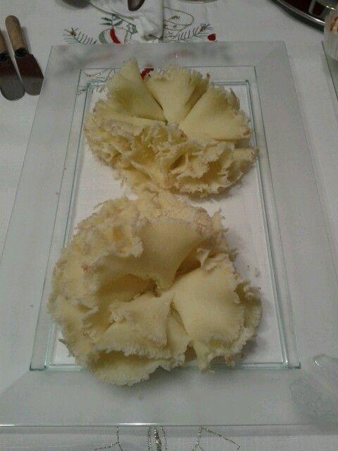 Flores hechas de un queso riquísimo!!
