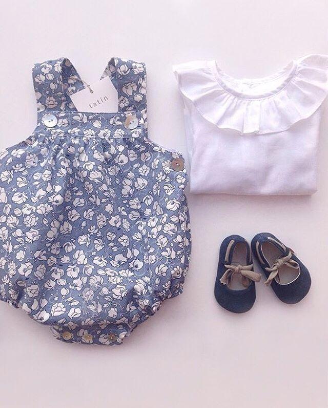 Otra maravilla de la firma @tatinmini Beautiful ❤️❤️•••Si te gusta déjanos un comentario, nos importa!! Gracias!! #modaespañola #modainfantil #ropaespañola #ropainfantil #hechoenespaña #madeinspain #modaespaña #kidsstyle #niñasconestilo #spain #modainfantilchic #kidsfashion #cutekidsfashion#fashionkids #baby#babygirl#sweetbaby#babyfashion #cutekidsclub#instababy#littlebaby#modainfantilespañola #modainfantilmadeinspain