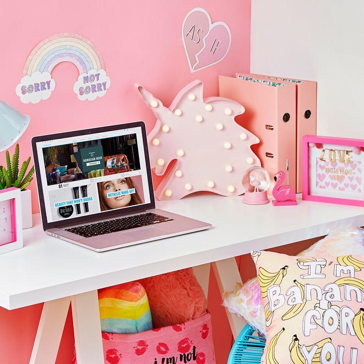 This desk setup is goals!!
