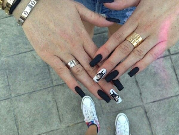 I love kylie jenner's nails