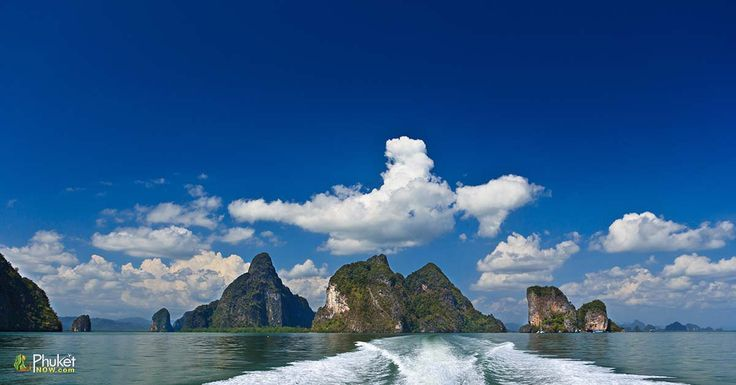 Rock islands in Phang Nga Bay, Thailand - View from boat