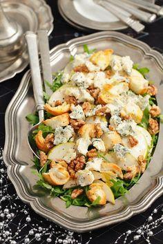 Salat mit Birne, Rucola, Nüssen und Gorgonzola - smarter - Zeit: 20 Min. | eatsmarter.de (Ketogenic Diet Recipes)