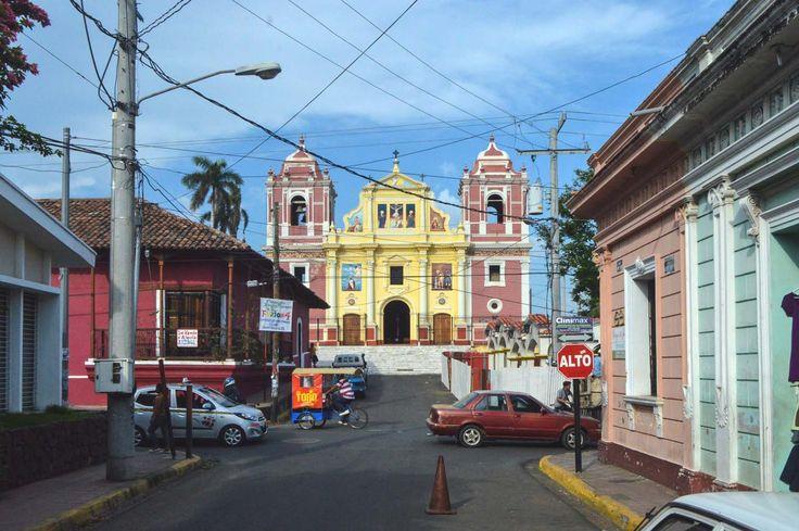 Iglesia El Calvario in León, Nicaragua | heneedsfood.com
