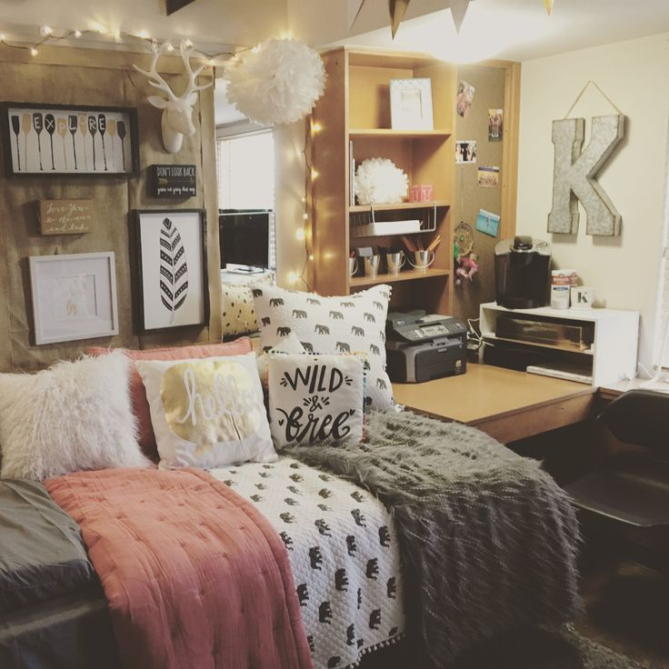 Inspiration - love the different elements used from the throws to the different pictures and wall art.. especially the feathers  |Dorm Room Pic|