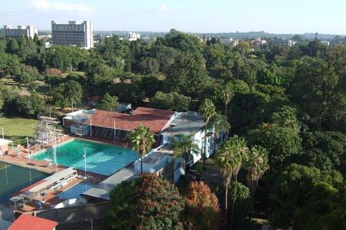 Les Brown Swimming Pool Salisbury Rhodesia On The Walk To Queen Elizabeth High School My