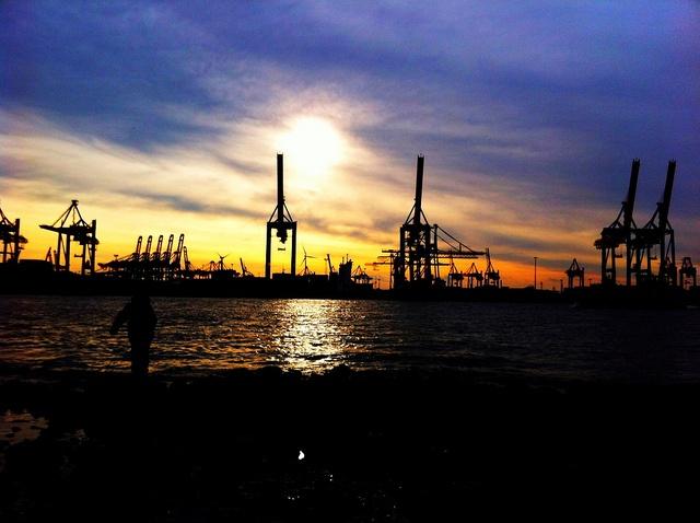 Hamburg Harbour repinned by www.BlickeDeeler.de