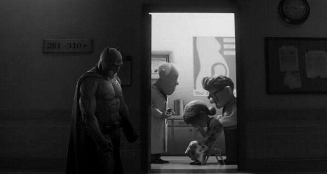 batman triste parodie batman vs superman ben affleck 6   Le batman triste devient un meme   Zach Snyder triste superman photoshop photo paro...