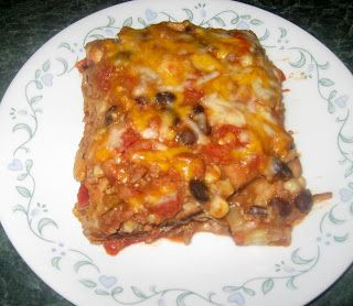 Debbi Does Dinner... Healthy  Low Calorie: Mexican Lasagna--I may keep the meat and switch to low fat choices to see if that brings the count down further