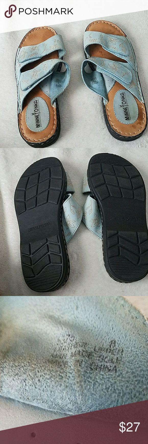 Gently Used Minnetonka sandals.  Size 8 Gently used.  Size 8 Minnetonka Shoes Sandals