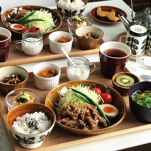 Gyudon with soup and vegetables